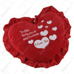 "Perna decorativa in forma de inima - Design cu mesajul ""I love you"""
