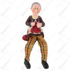 Figurina batrini din rasina cu picioare textil - Batran/Batrana 6 CM