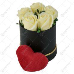 Cutie cu trandafiri de sapun 10x14 CM