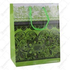 Punga cadou din hartie 18x23 CM - Design Dantelat