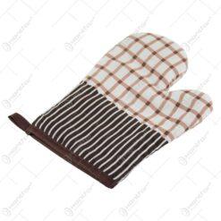 Manusa de bucatarie din textil cu carouri/buline 26 CM