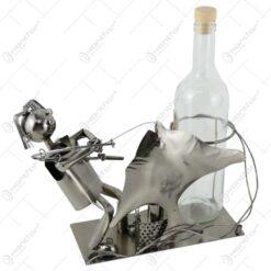 Suport pentru vin realizat din metal - Pescar 30 CM