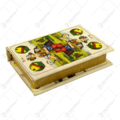Cutie realizata din lemnin forma de carte - Design Carti De Joc