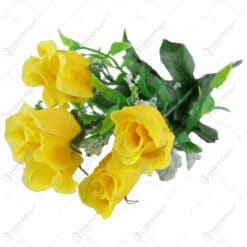 Buchet artificial cu trandafiri si verdeata 28 CM