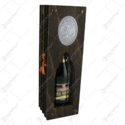 """Suport lemn in forma de carte cu o sticla de vin 200 ml """"60"""""""