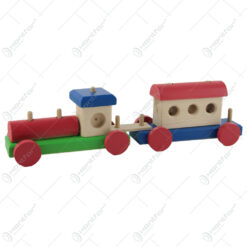 Tren cu un vagon din lemn