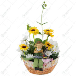 Cos oval cu flori si figurina gradinar 30 CM