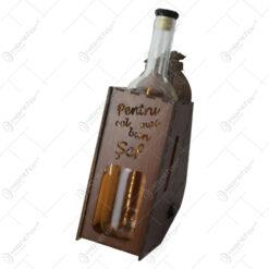 """Suport din lemn cu LED si sticla vin """"Pentru cel mai bun sef"""""""