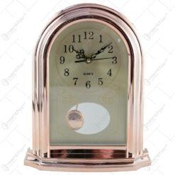 Ceas de masa din plastic cu pendula 21x26 CM