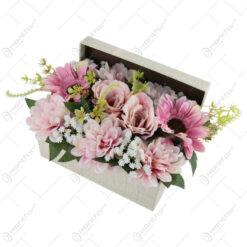 Cutie decorativa cu flori artificiale 34x16 CM