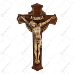 Crucifix cu Isus rastignit din ipsos 19x30 CM