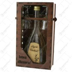 """Suport din lemn cu o sticla cu 2 pahare """"Legjobb fonoknek"""" - Isten eltessen!"""