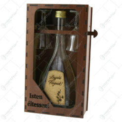 "Suport din lemn cu o sticla cu 2 pahare ""Legjobb ferjnek"" - Isten eltessen!"